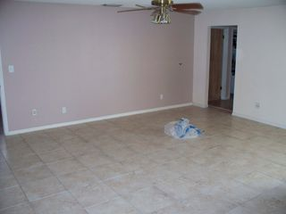 Tile No Grout Family Room