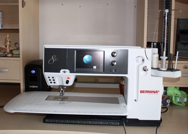 Bernina 820 II