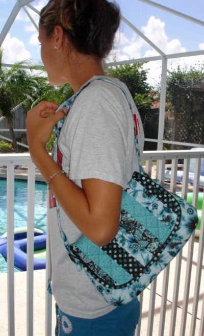 Blue_bag_carrying