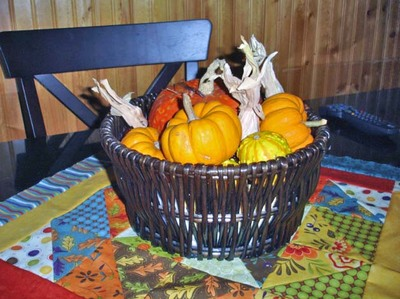 November_table_topper_with_basket
